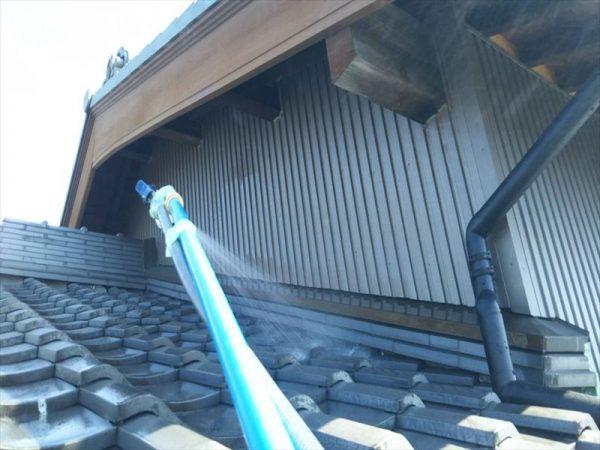 外壁と屋根の点検は梅雨前に行いたい!
