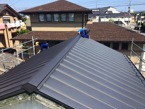 ガルバリウム屋根の特徴とメンテナンス方法